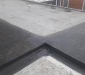 Aansluiting op het dak van de buren
